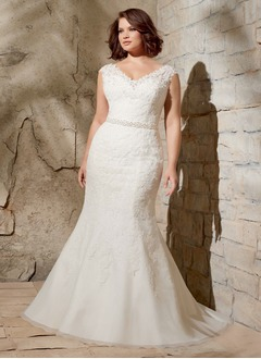 Trumpet/Mermaid V-neck Court Train Organza Wedding Dress With Lace Beading