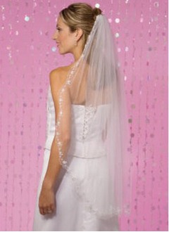 One-tier Waltz Bridal Veils With Lace Applique Edge (00605003606)