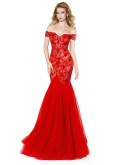 Trumpet/Mermaid Sweetheart Off-the-Shoulder Sweep Train Tulle Lace Evening Dress With Appliques Lace