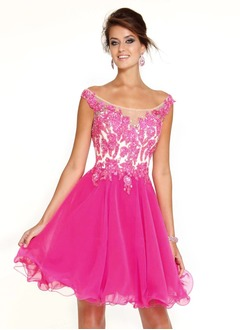 A-Line/Princess Off-the-Shoulder Short/Mini Chiffon Cocktail Dress With Beading Appliques Lace