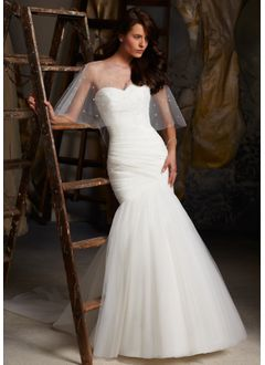 Trumpet/Mermaid Strapless Sweetheart Chapel Train Tulle Wedding Dress With Ruffle