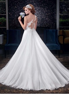A-Line/Princess Sweetheart Court Train Tulle Wedding Dress With Ruffle Appliques Lace