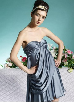A-Line/Princess Sweetheart Short/Mini Satin Chiffon Homecoming Dress With Ruffle