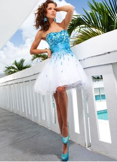 A-Line/Princess Sweetheart Short/Mini Satin Tulle Homecoming Dress With Sash Beading Flower(s)