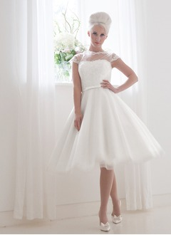 A-Line/Princess Scoop Neck Knee-Length Tulle Wedding Dress With Lace Bow(s)