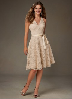 A-Line/Princess V-neck Knee-Length Lace Bridesmaid Dress (0075095146)