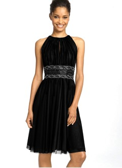 A-Line/Princess Scoop Neck Knee-Length Chiffon Charmeuse Cocktail Dress With Ruffle Beading