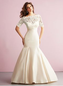 Trumpet/Mermaid Strapless Sweetheart Chapel Train Satin Wedding Dress With Appliques Lace