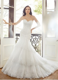 Trumpet/Mermaid Strapless Sweetheart Cathedral Train Lace Wedding Dress With Appliques Lace