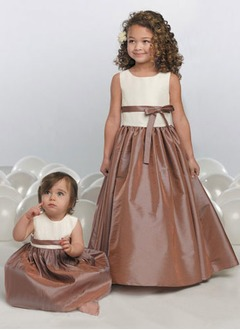 A-Line/Princess Scoop Neck Floor-Length Taffeta Flower Girl Dress