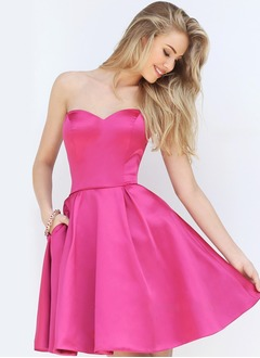 A-Line/Princess Strapless Sweetheart Short/Mini Satin Homecoming Dress With Ruffle