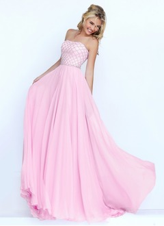 A-Line/Princess Strapless Sweep Train Chiffon Prom Dress With Ruffle Beading