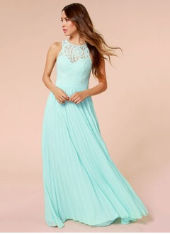 A-Line/Princess Scoop Neck Floor-Length Chiffon Lace Prom Dress With Pleated
