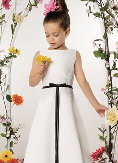 A-Line/Princess Scoop Neck Floor-Length Satin Flower Girl Dress With Lace Sash