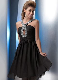 A-Line/Princess Halter Knee-Length Chiffon Cocktail Dress With Ruffle Beading