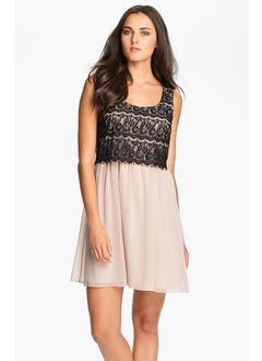 A-Line/Princess Square Neckline Short/Mini Chiffon Homecoming Dress With Lace