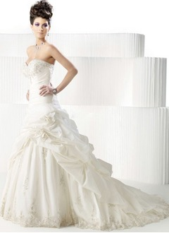 A-Line/Princess Strapless Sweetheart Chapel Train Taffeta Wedding Dress With Ruffle Lace Beading Flower(s)