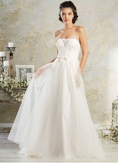 A-Line/Princess Strapless Sweep Train Tulle Lace Wedding Dress With Bow(s)