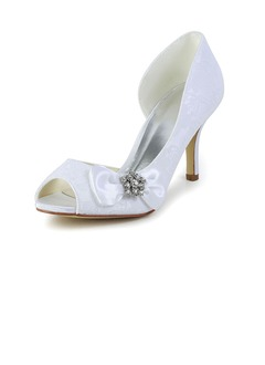Vrouwen Tulle Kitten Hak Closed Toe Pumps met Strass  ...