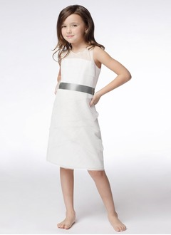 Sheath/Column Scoop Neck Knee-Length Tulle Flower Girl Dress With Sash