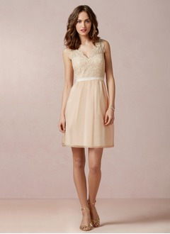A-Line/Princess V-neck Knee-Length Chiffon Bridesmaid Dress With Lace Sash (0075093275)