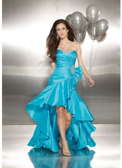 A-Line/Princess Sweetheart Asymmetrical Taffeta Homecoming Dress With Ruffle Beading