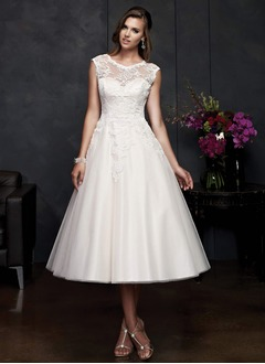 A-Line/Princess Scoop Neck Tea-Length Satin Tulle Wedding Dress With Appliques Lace