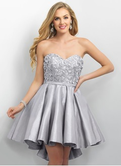 A-Line/Princess Strapless Sweetheart Asymmetrical Taffeta Lace Homecoming Dress With Ruffle
