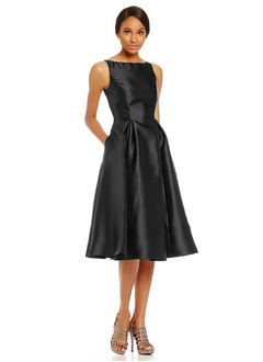 A-Line/Princess Scoop Neck Knee-Length Satin Mother of the Bride Dress