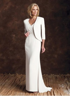 Sheath/Column V-neck Sweep Train Chiffon Mother of the Bride Dress With Ruffle (0085096909)