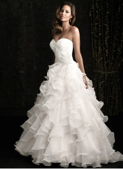 Ball-Gown Strapless Sweetheart Chapel Train Organza Wedding  ...