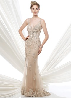 Trumpet/Mermaid V-neck Sweep Train Tulle Mother of the Bride Dress With Beading Appliques Lace