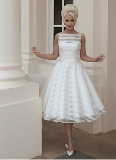 A-Line/Princess Scoop Neck Tea-Length Organza Wedding Dress With Bow(s)