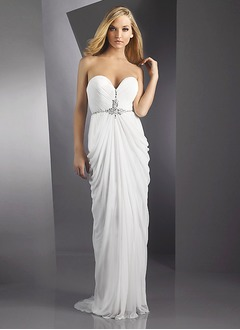 Sheath/Column Strapless Sweetheart Court Train Chiffon Evening Dress With Ruffle Beading