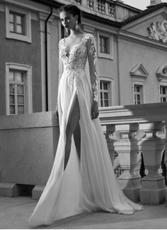 A-Line/Princess V-neck Sweep Train Chiffon Tulle Wedding Dress With Appliques Lace Split Front