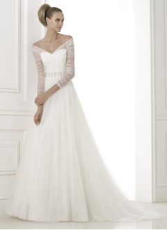 A-Line/Princess V-neck Off-the-Shoulder Court Train Tulle Wedding Dress With Beading