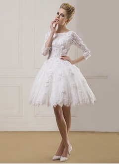 Ball-Gown Scoop Neck Knee-Length Lace Wedding Dress With Beading Flower(s)