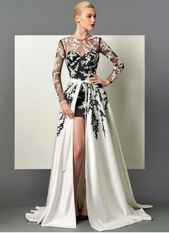 A-Line/Princess Scoop Neck Sweep Train Satin Evening Dress With Appliques Lace Split Front