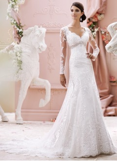 Trumpet/Mermaid Sweetheart Chapel Train Tulle Lace Wedding Dress With Ruffle Beading Appliques Lace