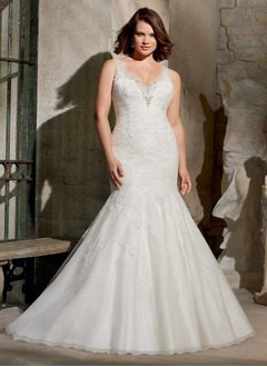 Trumpet/Mermaid V-neck Sweep Train Organza Wedding Dress With Lace Beading
