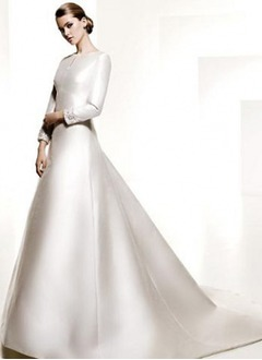 A-Line/Princess Scoop Neck Chapel Train Satin Wedding Dress With Beading Appliques Lace