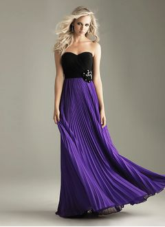 A-Line/Princess Strapless Sweetheart Floor-Length Chiffon Homecoming Dress With Flower(s) Pleated
