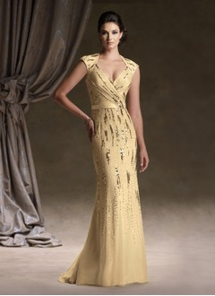 Sheath/Column Sweetheart Sweep Train Chiffon Mother of the Bride Dress With Beading Sequins