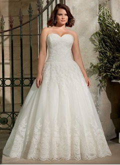 A-Line/Princess Strapless Sweetheart Court Train Tulle Lace Wedding Dress