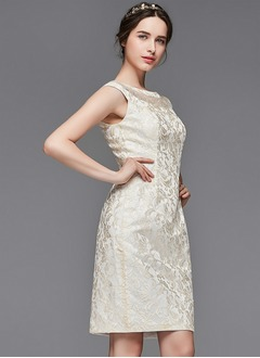 Sheath/Column Scoop Neck Knee-Length Lace Mother of the Bride Dress (0085104324)