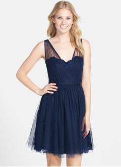 A-Line/Princess V-neck Short/Mini Tulle Bridesmaid Dress With Lace