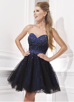 A-Line/Princess Strapless Sweetheart Short/Mini Taffeta Lace Homecoming Dress With Beading Sequins
