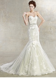 Trumpet/Mermaid Strapless Sweetheart Court Train Tulle Charmeuse Wedding Dress With Lace Beading