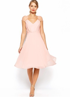 A-Line/Princess Sweetheart Knee-Length Chiffon Bridesmaid Dress With Ruffle Lace