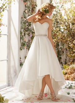 A-Line/Princess Strapless Sweetheart Asymmetrical Organza Wedding Dress With Ruffle Beading